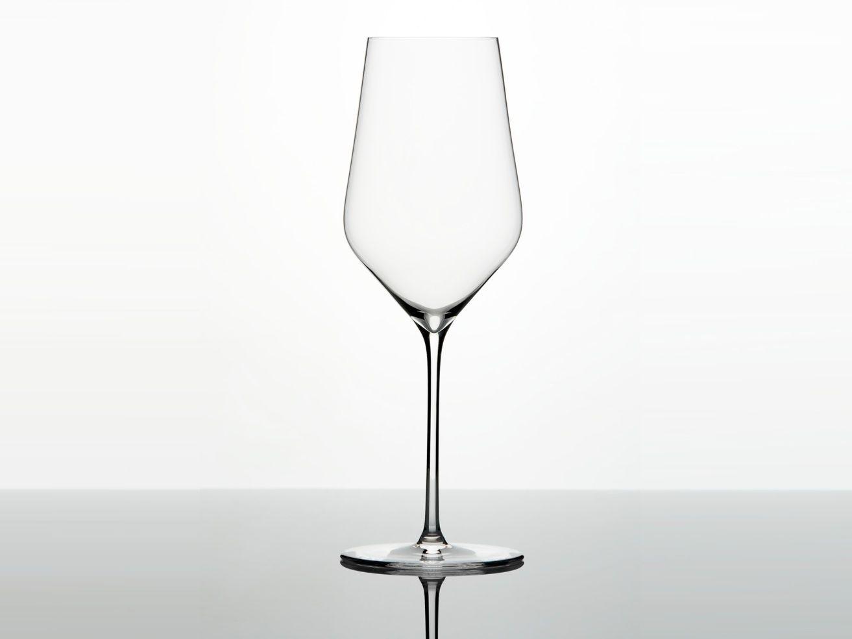 white-wine-glasses